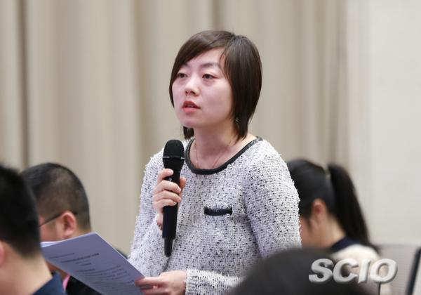 中央广播电视总台央视记者提问(刘健 摄)