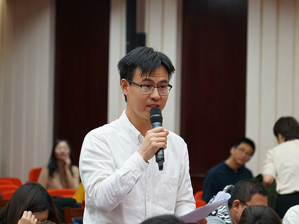 2019年4月18日下午14:30时,文化和旅游部召开新闻发布会介绍第十二届中国艺术节整体情况和筹备情况。图为光明日报记者提问。文化和旅游部政府门户网站记者马思伟 摄。