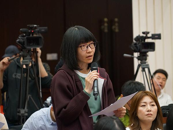 2019年4月18日下午14:30时,文化和旅游部召开新闻发布会介绍第十二届中国艺术节整体情况和筹备情况。图为新华社记者提问。文化和旅游部政府门户网站记者马思伟 摄。