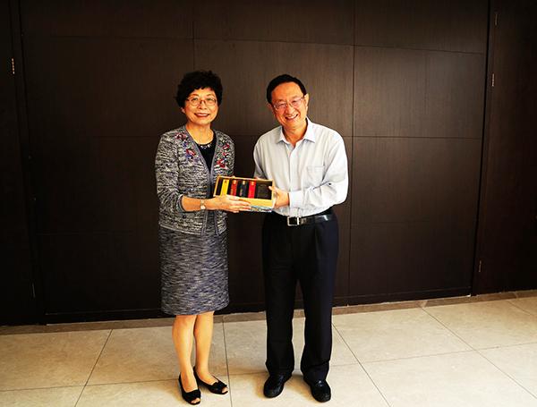 文旅部长雒树刚会见台湾旅游协会理事长赖瑟珍